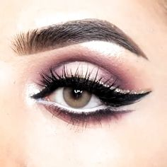 makeup eyeshadow makeup hashtag makeup application makeup q tips makeup looks natural wear eye makeup makeup and contacts makeup looks natural Makeup Tricks, Eye Makeup Tips, Smokey Eye Makeup, Day Makeup, Makeup Inspo, Makeup Looks, Makeup Style, Prom Makeup, Wedding Makeup