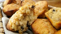 apple_and_sultana_muffins_cropped