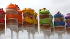 Cupcakes get a funky update... Push Pop style!