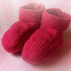 Receita de Sapatinho de Bebê em Tricô, basta acessar o passo a passo no vídeo aqui: http://goo.gl/5yTGmw
