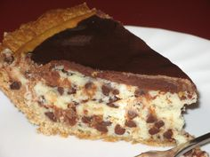 "Did I Hear Someone Say, ""Chocolate Chip Cheesecake?"" Yep, You Sure Did! - Page 2 of 2 - Recipe Roost Chocolate Chip Cheesecake, Cheesecake Pie, Cheesecake Recipes, Fun Desserts, Delicious Desserts, Dessert Recipes, Yummy Food, Pastries Recipes, Creative Desserts"