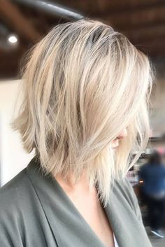 The Best Short Hair Cut Ideas for Spring Getting a short hair cut is a great way to refresh your look, and in a fantastic way. hair cut ideas 18 Sassy and Chic Short Hair Cut Ideas Blonde Bob Hairstyles, Cool Short Hairstyles, Spring Hairstyles, Hairstyles For Round Faces, Short Haircuts, Chic Short Hair, Stylish Short Hair, Short Hair Trends, Trendy Hair