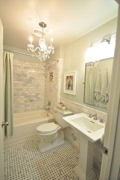 Beautiful small bathroom. smallchichome.com