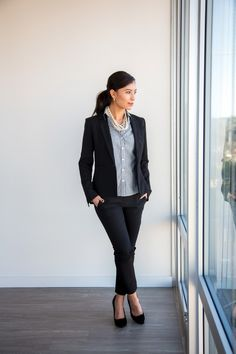Work outfit ideas Work Outfits - Decoding Women Business Casual Here are 17 business attire essentials that you can mix and match to create 20 work outfits - this is your ultimate women business casual outfit guide! Classy Outfits For Women, Business Casual Outfits For Women, Casual Work Outfits, Office Outfits, Work Attire, Work Casual, Clothes For Women, Work Clothes, Casual Office
