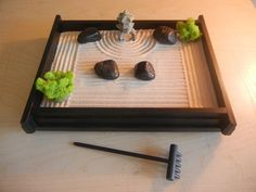 Peaceful zen garden.. I need this!! Medium Desk Top Zen Garden with Mini by CrittersWoodWorks #minigardens