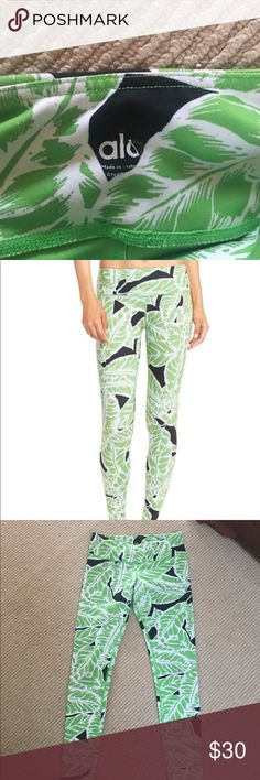 ALO Long leggings, MED Cute print - reposh as sadly are too large. My loss your gain! All offers considered!!!!! ALO Yoga Pants Leggings