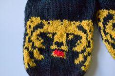« rosannaofmay: Karhuvillasukat Sissi, South Park, Parka, Knitted Hats, Harry Potter, Gloves, Socks, Knitting, Winter