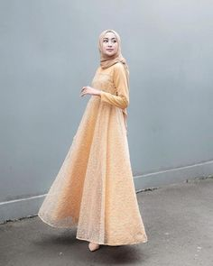 Model Dress brukat untuk lebaran 2020 – ND Hijab Prom Dress, Dress Brukat, Hijab Gown, Muslimah Wedding Dress, Hijab Style Dress, Kebaya Dress, Dress Pesta, Batik Dress, Dress Muslimah