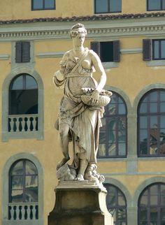 Firenze - Ponte Santa Trinita - Statua della Primavera by bardazzi luca