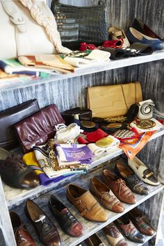 Head out the west exit of Shimokitazawa Station, follow the train tracks and you'll find this cool women's secondhand clothing store. You'll find a solid selection of vintage pieces from the 60's and 70's you won't find anywhere else.