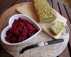 Low carb chléb a sleďový salát