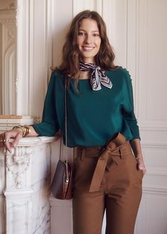 Sézane - emmy blouse 2018 fall/winter в 2019 г. Colour Combinations Fashion, Color Combinations For Clothes, Color Blocking Outfits, Casual Work Outfits, Classy Outfits, Work Fashion, Fashion Outfits, Hijab Fashion, Fashion Women
