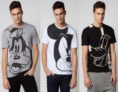 Aqui teneis algunos de los mejores modelos en camisetas de hombre para este verano de diseños Disney, para que os sintais como niños.