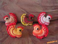 slepička Crochet Owls, Crochet Amigurumi, Easter Crochet, Crochet Toys Patterns, Stuffed Toys Patterns, Knit Crochet, Crochet Chicken, Owl Bird, Winnie The Pooh