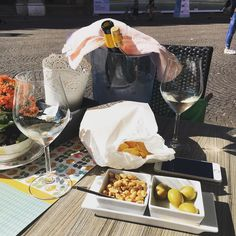 Bottle of #white on the #square we are so #posh @ladybaileyjayne #italy #holiday #rimini #oldtown #shortbreak #sunshine #sunny #instamood #picoftheday #igers by miss.sarahred