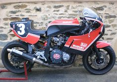 SwEEt home made paint job was the winter project from Sam 'Bubba' on his kool '86 gsx-R daily rider (already presented here ) ... really lo...