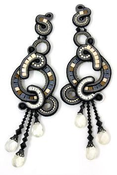 DORI CSENGERI Anais #earrings from Israel at the 2012 #NYIGF Soutache Pendant, Soutache Necklace, Beaded Earrings, Earrings Handmade, Statement Jewelry, Boho Jewelry, Jewelry Crafts, Beaded Jewelry, Jewelry Design