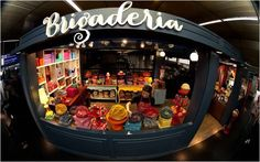 Quem é que não reconhece a loja Brigaderia ao ver as lindas embalagens estampadas dos produtos?