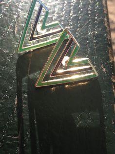 The V Earring in Green