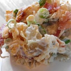 This is a very flavorful pasta salad. The crisp cooked bacon really adds a nice flavor. I get requests for this pasta salad for every get together and cook out. Bacon Ranch Potato Salad, Bacon Ranch Potatoes, Bacon Potato, Cook Potatoes, New Recipes, Cooking Recipes, Favorite Recipes, Sunday Recipes, Salad Recipes
