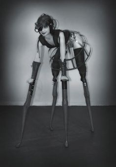 Lisa Bufano, born in 1972, US suffered bacterial staph infection when 21, suffering the amputation of both legs at the knees and the fingers of both hands. Before the infection she was a college student, a semi-professional gymnast and a lover of dance.