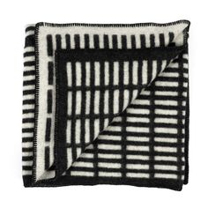Artek - Siena blanket: The merino wool blanket by Artek with Siena pattern by Alvar Aalto in our online shop Alvar Aalto, Siena, Design Shop, Graphic Patterns, Textile Patterns, Berlin Wedding, Goods And Services, Home Textile, Shopping