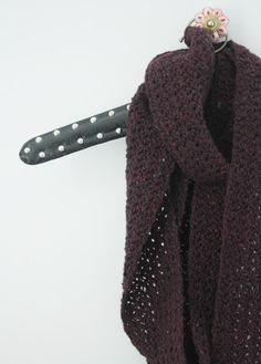 Crochet tutorial: long, skinny scarf   Happy in Red