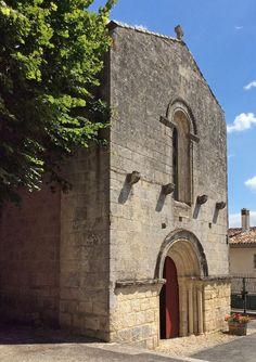 Église de Saint-Simon, en Charente : la façade vue de la place du village Saint Simon, Place, Notre Dame, Saints, Religion, Building, Travel, Art, 12th Century