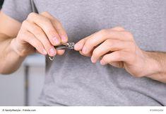 Nagelpflege für Männer - die besten Tipps - Oft wird über die Nagelpflege gesprochen, doch häufig sind es die Frauen, doch auch die Nagelpflege für Männer nimmt eine bedeutsame Stellung ein. Immer mehr Männer legen darauf ebenso viel Wert. Doch wie sieht die optimale Pflege der Nägel für Männer aus? Was wird benötigt? Dies und vieles mehr wi - #Körperpflege #Männermagazin #derneuemann