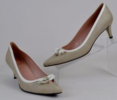 Stuart Weitzman Women's Size 8.5 N Tan Fabric Heels With Bows #StuartWeitzman #PumpsClassics #WeartoWork