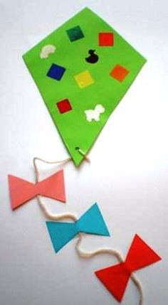 - Vlieger knutselen voor peuter of kleuter - Vlieger knutselen voor peuter of kleuter Daycare Crafts, Toddler Crafts, Preschool Crafts, Easter Crafts, Summer Crafts, Diy And Crafts, Arts And Crafts, Diy Carnaval, Diy For Kids