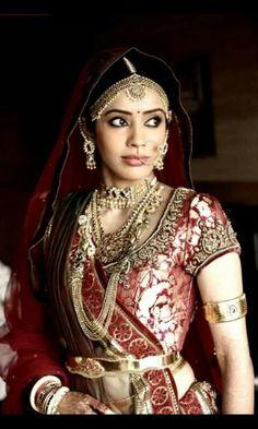 Tarun Tahiliani bride