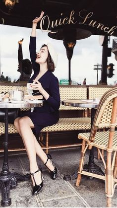 Parisian Style - Click the pic for more inspo from Paris French Chic, French Girls, Parisian Style, Parisian Chic Fashion, French Fashion, Vintage Fashion, Le Jolie, Coffee Shop Photography, Vintage Photography