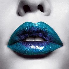 Love the lips! #lipstick #lips #makeup #kiss  --- http://www.acneonestep.com