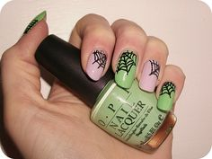NOTD: Halloween Nail Art #halloween #nailart #cobwebs #spiderwebs #notd #bbloggers