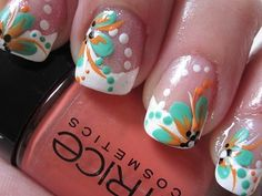 Get pretty little patterns. I love this one! #nails