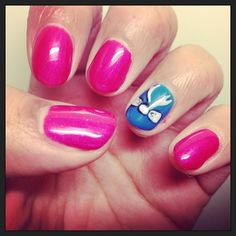 Cute gel manicure with nail art  by  @vtranter #nessasnailbar #manicure #amazing