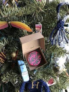 Harry Potter Christmas Decorations, Harry Potter Christmas Tree, Christmas Tree Themes, Christmas Ideas, Holiday Tree, Xmas, Harry Potter Letter, Harry Potter Gifts, Harry Potter Theme