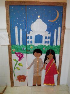 Puerta con decoración hindú