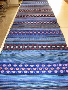 Loimien tarinaa Rag Rugs, Weaving Art, Scandinavian Style, Carpets, Pattern Design, Textiles, Diy Crafts, Crochet, Weaving Looms