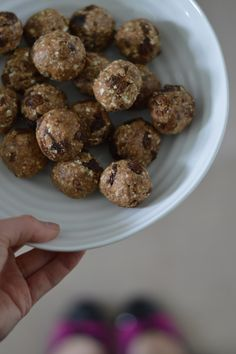 Oatmeal raisin energy balls - by @therunnerbean - Great for when you need some energy (for running, hiking, cycling, etc..)