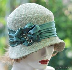 Couture Designer 1920s Cloche Hat Great Gatsy Flapper Style for Fall and Winter