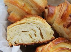 Croissante - Desert De Casa - Maria Popa Croissant, Sweets Recipes, Pizza, Bread, Awesome, Food, Home, Brot, Essen