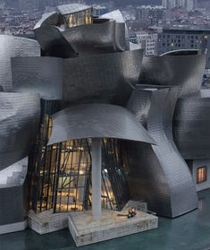 The Guggenheim Bilbao, designed by Frank Gehry, built by Ferrovial. Completed 1997