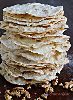 turte de Crăciun Snack Recipes, Cooking Recipes, Snacks, Feta, Healthy Life, Tart, Buffet, Cabbage, Deserts