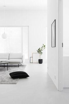 Monochrome Interior, White Interior Design, Interior Design Magazine, Minimalist Interior, Minimalist Living, Interior Design Living Room, Interior Styling, Living Room Designs, Minimalist Design
