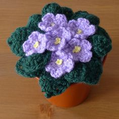 African Violets Free Crochet Pattern This is fantastic! I can't believe these are crochet! ༺✿✿༻