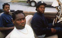 Boyz n the Hood - Cuba Gooding Jr., Laurence Fishburne, Hudhail Al-Amir. One of my all time fave movies! 90s Movies, Movie Tv, Throwback Movies, Urban Movies, Netflix Movies, Chubby, Hip Hop Classics, Arte Hip Hop, Chris Rock