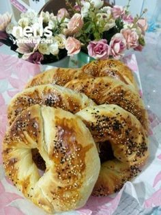 Hakiki Açma Tarifi ( Detaylı Anlatım, Pamuk, Tel Tel ) Turkish Sweets, Turkish Cuisine, Salty Snacks, Recipe Mix, Bread Recipes, Cake Recipes, Dessert Recipes, Cooking Recipes, Brioche