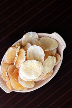 MICROWAVE POTATO CHIPS   easy and tasty homemade microwave potato chips from @عبدالعزيز الجسار Bukhamseen Week for Dinner